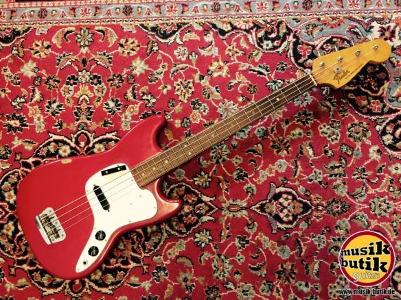 Fender Musicmaster Bass.JPG