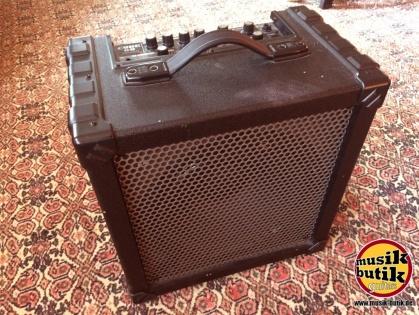 Roland Cube60.JPG.JPG