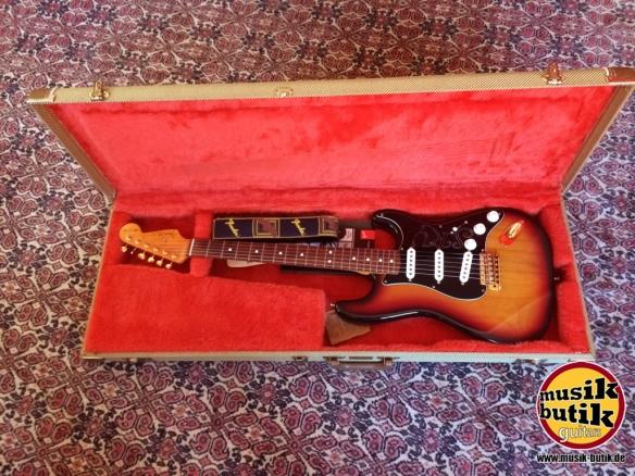 Fender SRV.jpg