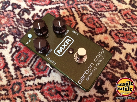 MXR M169 - Carbon Copy Analog Delay.JPG