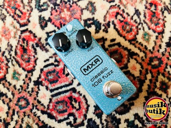 MXR M 296 Classic 108 Fuzz.jpg